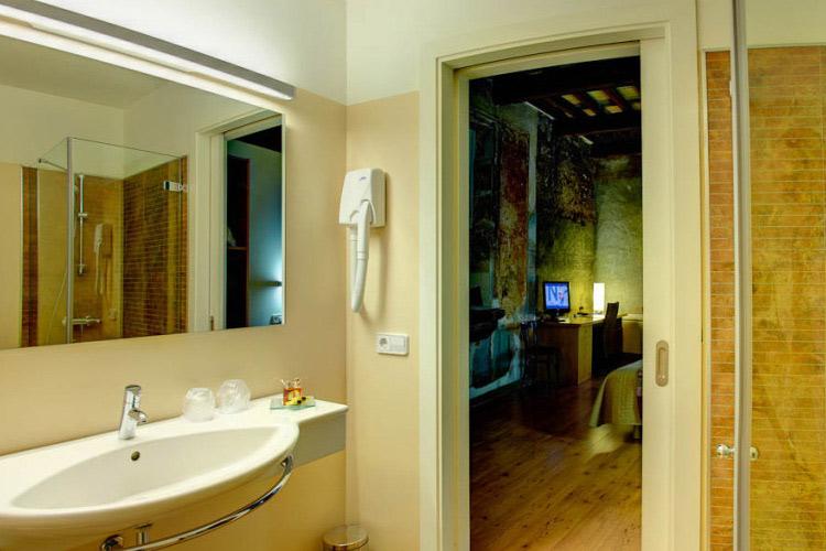 El Lledoner Superior Double Room - Hotel La Freixera - Solsona