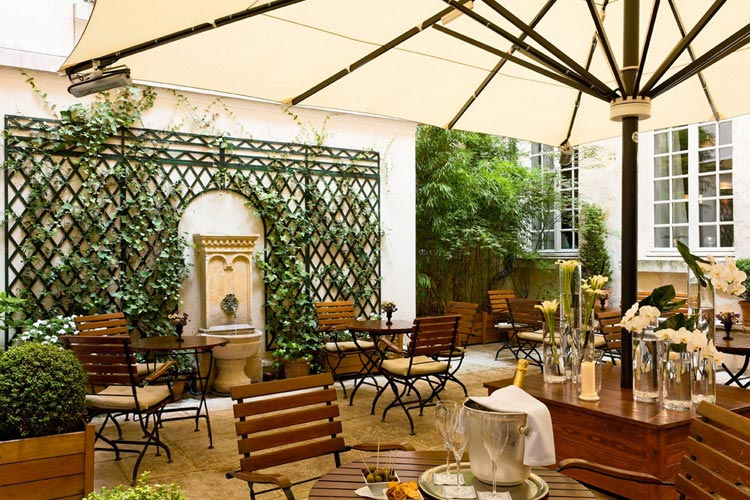 Patio - Hotel d'Aubusson - Paris
