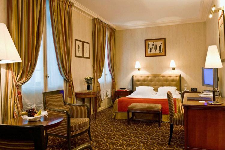 Superior Room - Hotel d'Aubusson - Paris