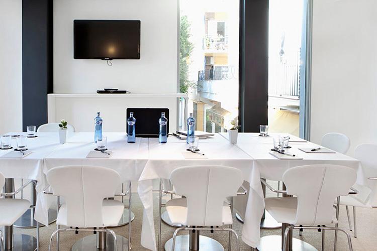 Lounge Bar - Alenti Sitges Hotel & Restaurant - Sitges