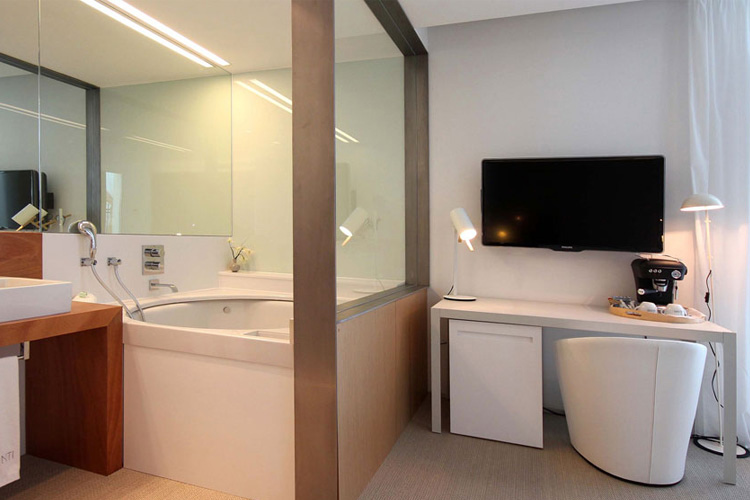 Suite with Hot Tub - Alenti Sitges Hotel & Restaurant - Sitges