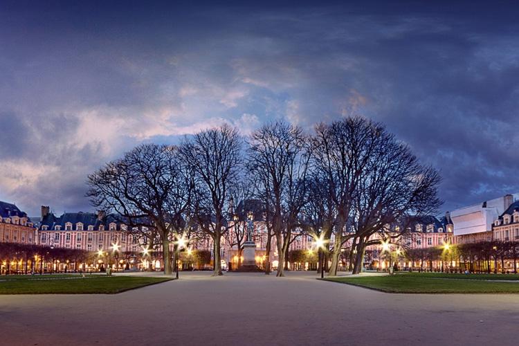 Place des Vosges - 1er Etage - Paris