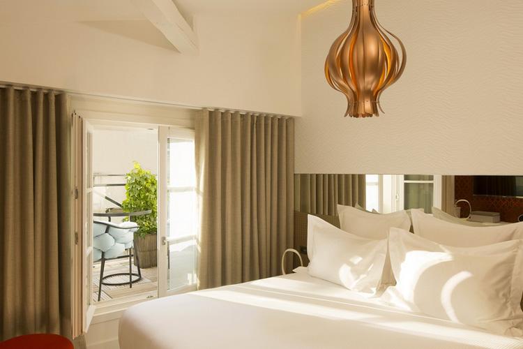 Joseph L Estrange Classic Chic Room - Hotel Dupond Smith - Paris