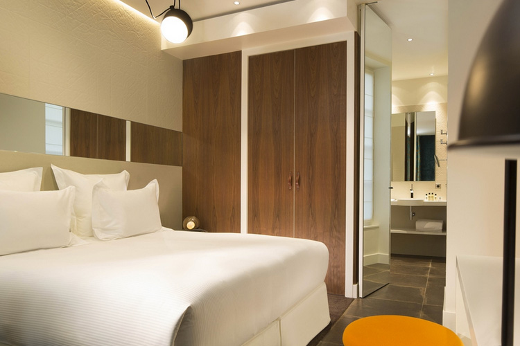 Lord R Hoone Superior Room - Hotel Dupond Smith - Paris