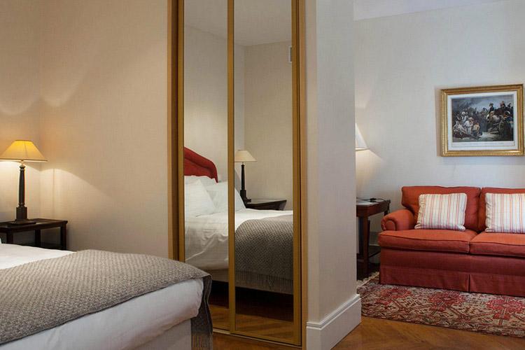 Hotel de londres ein boutiquehotel in fontainebleau for Hotel boutique londres