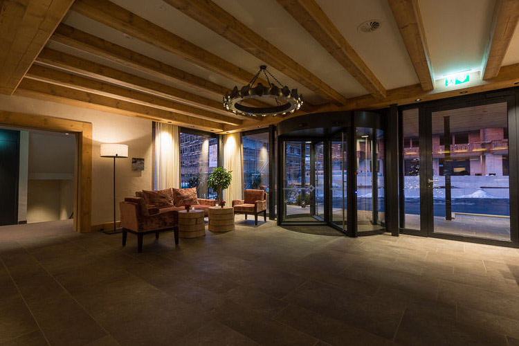 Entrance - Hotel Spitzhorn - Saanen