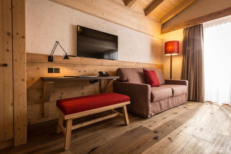 Family Suite with Balcony - Hotel Spitzhorn - Saanen