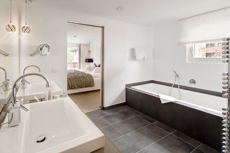 Bathroom Suite First Floor - Hotel Matthiol - Zermatt