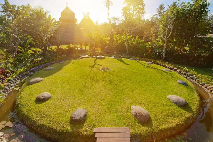 Sacred Spaces - Fivelements Puri Ahimsa - Mambal