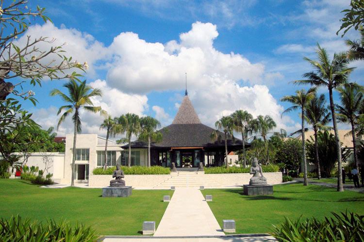 Entrance - The Royal Santrian - Nusa Dua