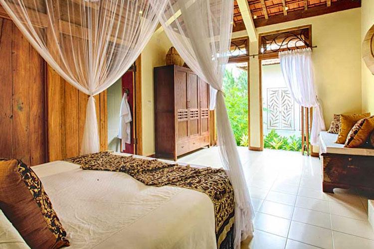 Wates Bangbau Bedroom - Umajati Retreat - Ubud