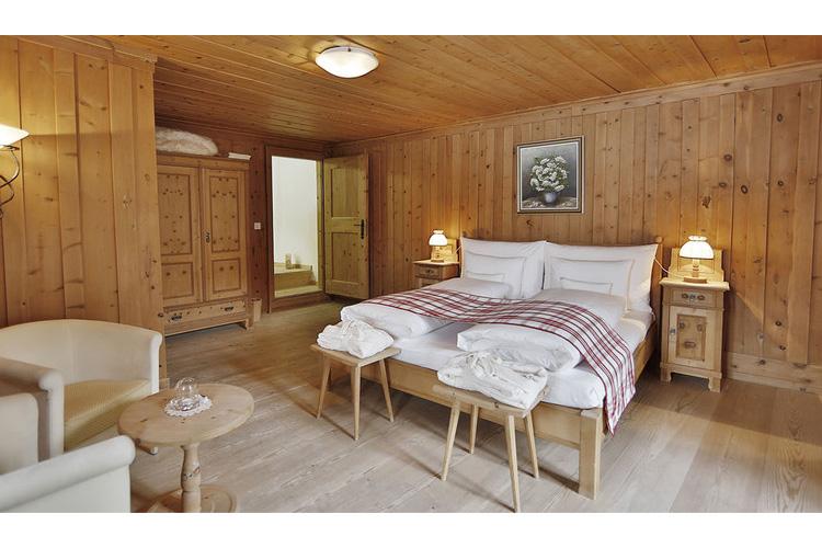 Engadin Junior Suite - In Lain Hotel Cadonau - Brail