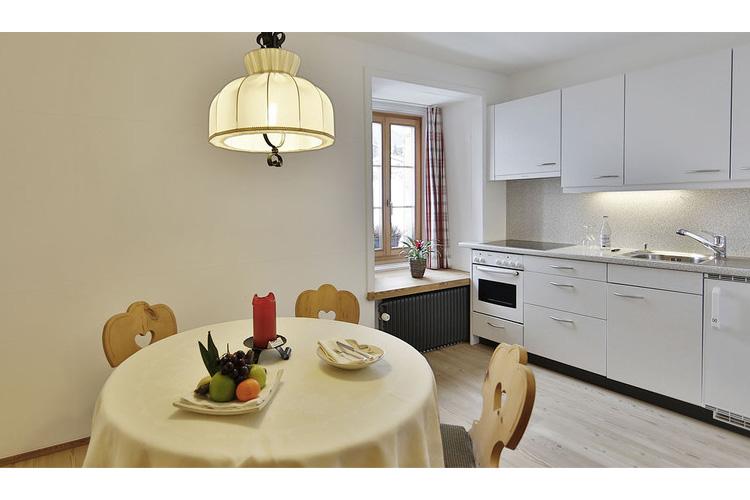 Engadin Family Room - In Lain Hotel Cadonau - Brail