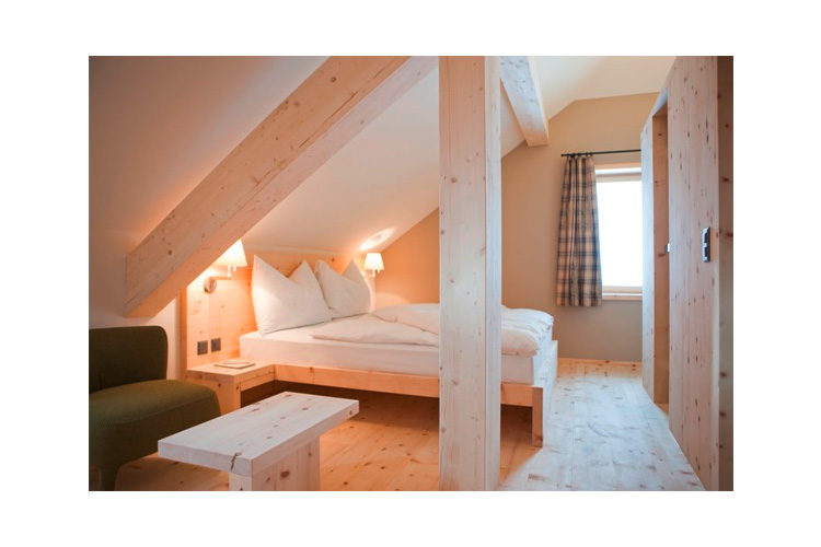 Hotel muottas muragl h tel boutique samedan for Small great hotels