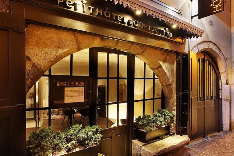 Entrance - Petit Hotel Confidentiel - Chambéry