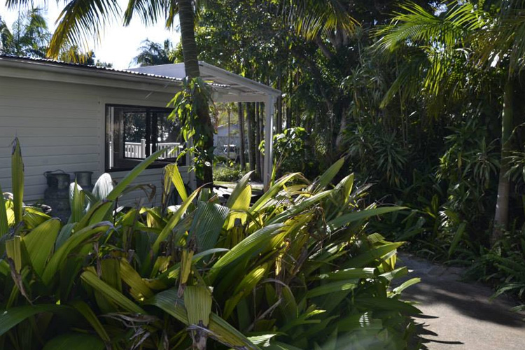 Exteriors - Byron Springs Guesthouse - Byron Bay