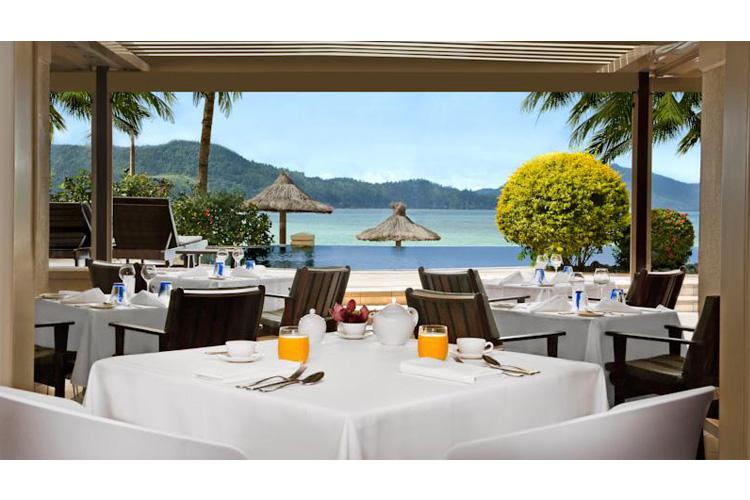 Restaurant - Beach Club Resort - Hamilton Island