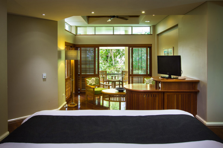 Reef Suite Room - Green Island Resort - Green Island