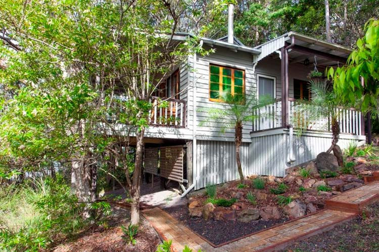 Treetops Deluxe Cottage - Eumarella Shores Noosa Lake Retreat - Noosaville
