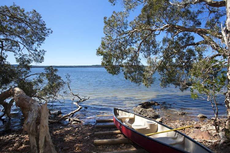 Vista Deluxe Lakehouse - Eumarella Shores Noosa Lake Retreat - Noosaville