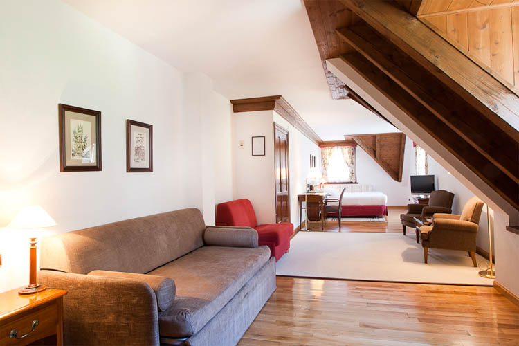 Junior Suite Living Room - Hotel de Tredòs - Tredòs