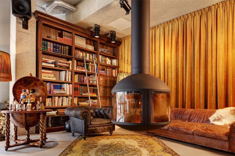 Library - Hotel V Nesplein - Amsterdam