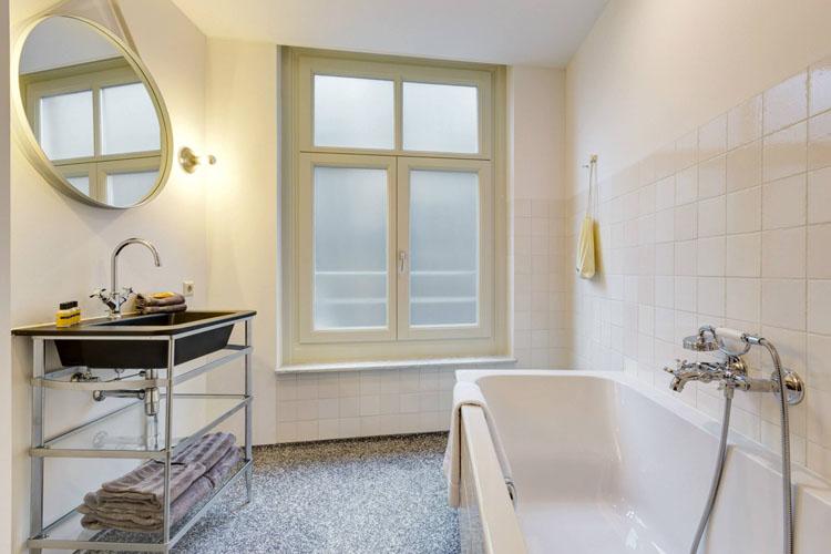 Bathtub - Hotel V Nesplein - Amsterdam