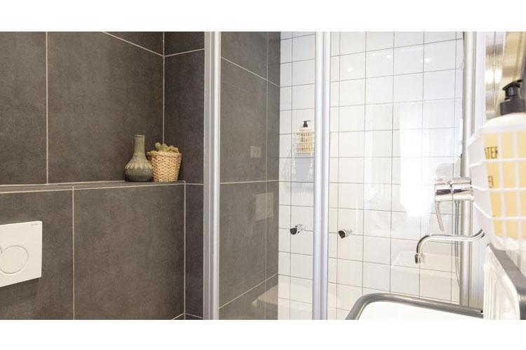 Bathroom - Hotel Dwars - Amsterdam