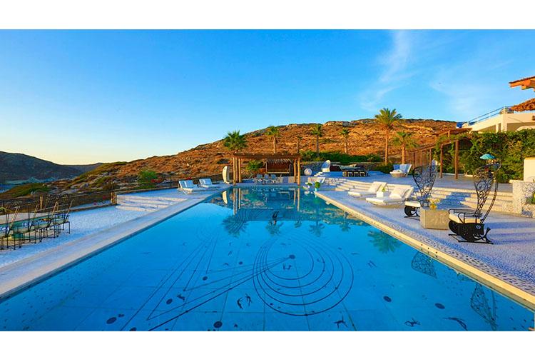 Pool - Agalia Luxury Suites - Tzamaria