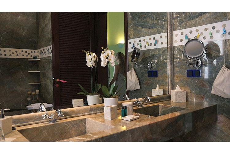 Sea View Suite Bathroom - Agalia Luxury Suites - Tzamaria