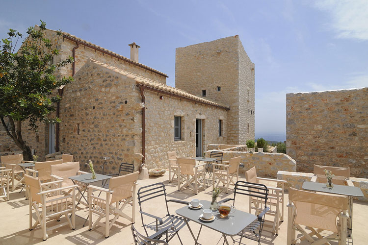 Antares hotel mani a boutique hotel in peloponnese for Small great hotels