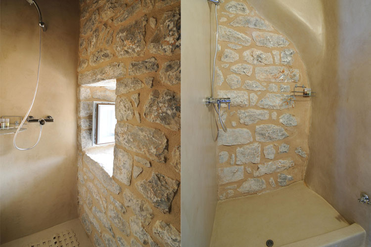 Tower Double Room Bathroom - Antares Hotel Mani - Areopoli