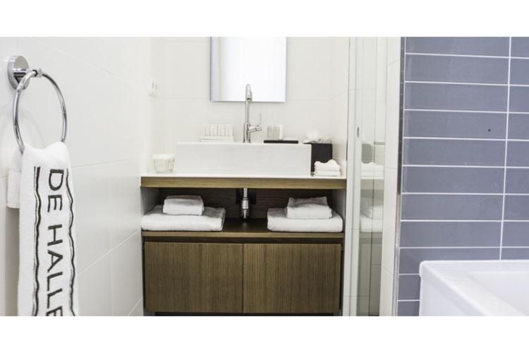 Junior Suite Bathroom - Hotel de Hallen - Amsterdam