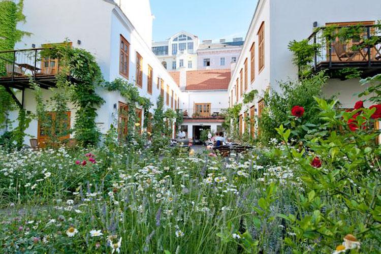 schreiners essen und wohnen a boutique hotel in vienna. Black Bedroom Furniture Sets. Home Design Ideas