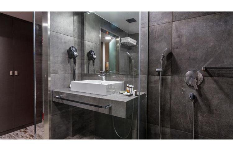 Bathroom - 360 Degrees Hotel - Atenas
