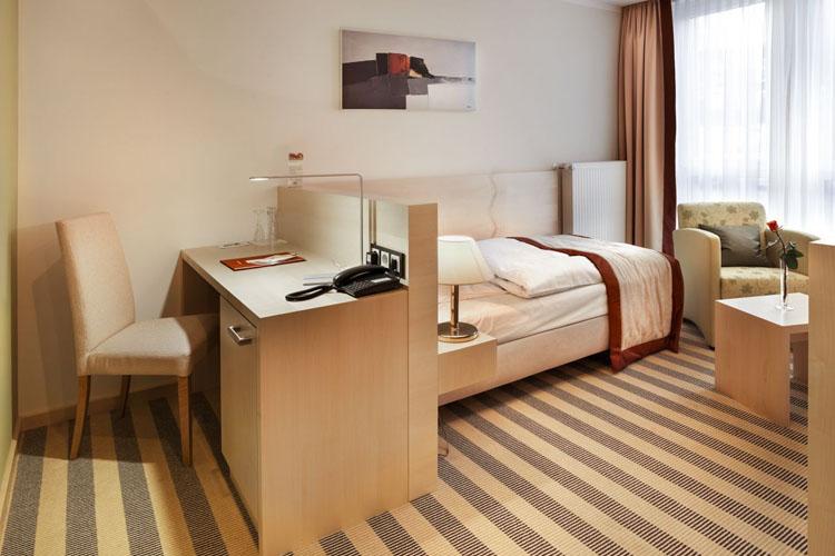 Single Room  Stammhaus A Straßenseite - Hotel Diedrich - Hallenberg