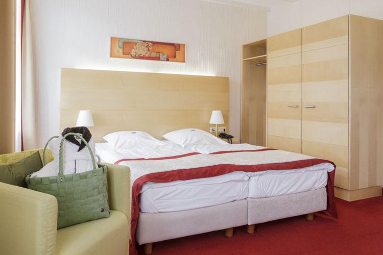 Double Room Stammhaus B Straßenseite - Hotel Diedrich - Hallenberg