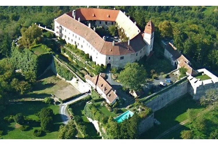 General View - Burg Bernstein - Bernstein