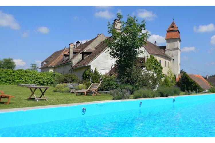Pool - Burg Bernstein - Bernstein