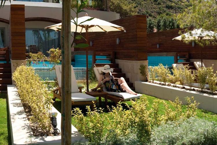 Elite Suite with Private Pool & Garden - Amathus Elite Suites - Ixia