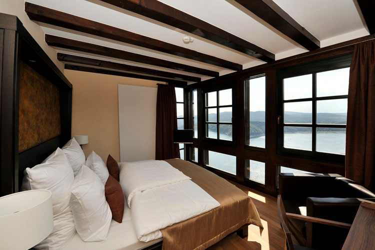 Hotel schloss waldeck a boutique hotel in waldeck for Silvester design hotel