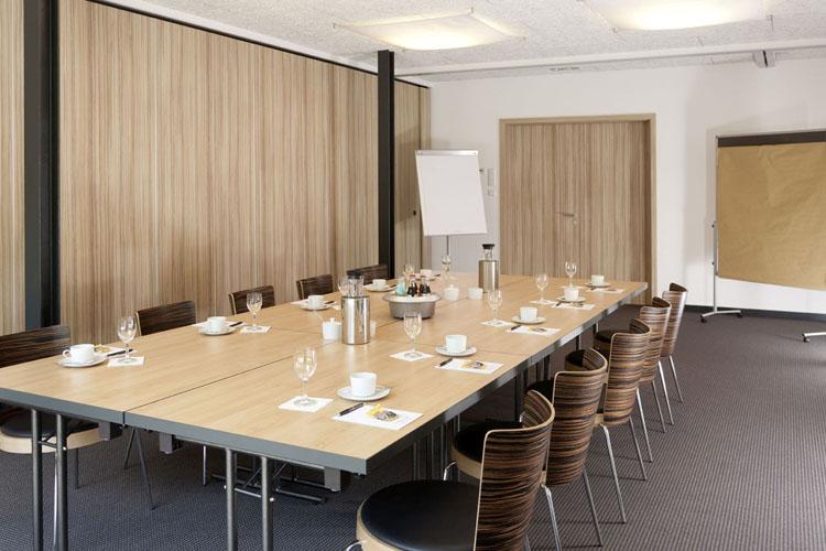 Business Room - Hotel zur Kloster-Mühle - Gross Meckelsen