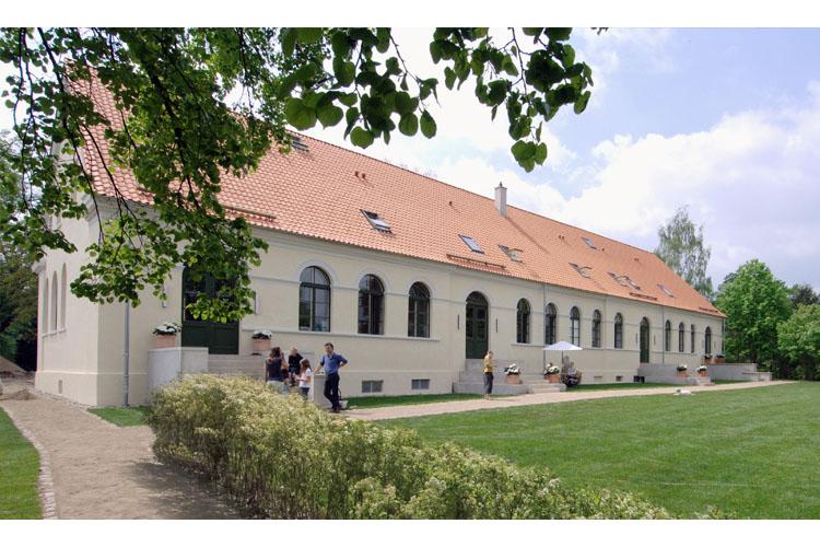 Facade - Kavaliershaus Suitehotel Am Finckener See - Fincken