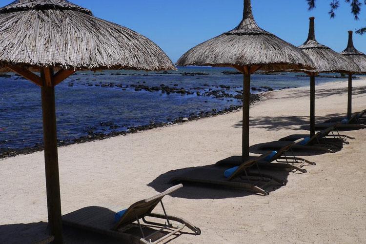 Beach - Voile Bleue - Pointe aux Piments