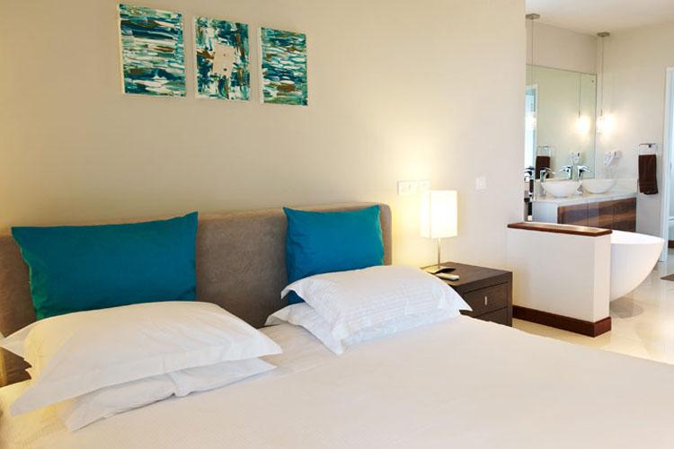 Premium Double Room - Leora Beachfront - Tamarin