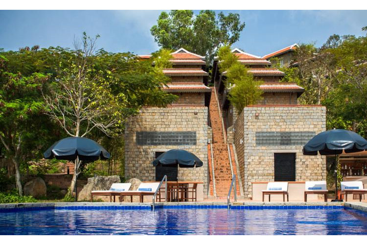 Pool - Victoria Nui Sam Lodge - Chau Doc