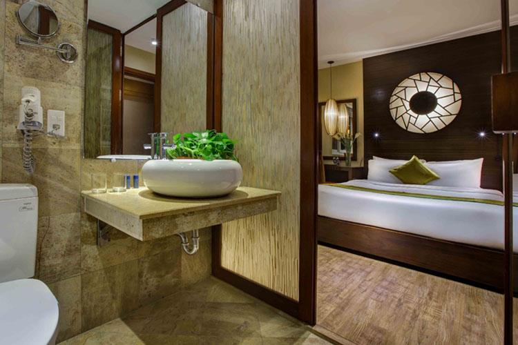 Deluxe Double Room - Oriental Suites Hotel - Hanói