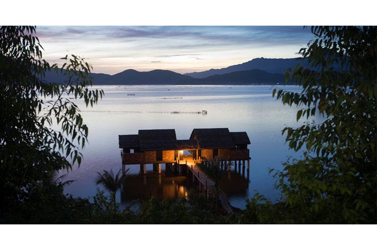 Pool Aqua Bungalow - Vedana Lagoon Resort & Spa - Phu Loc