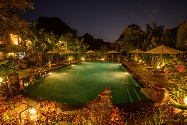 Pool Night View - Tam Coc Garden Resort - Ninh Binh