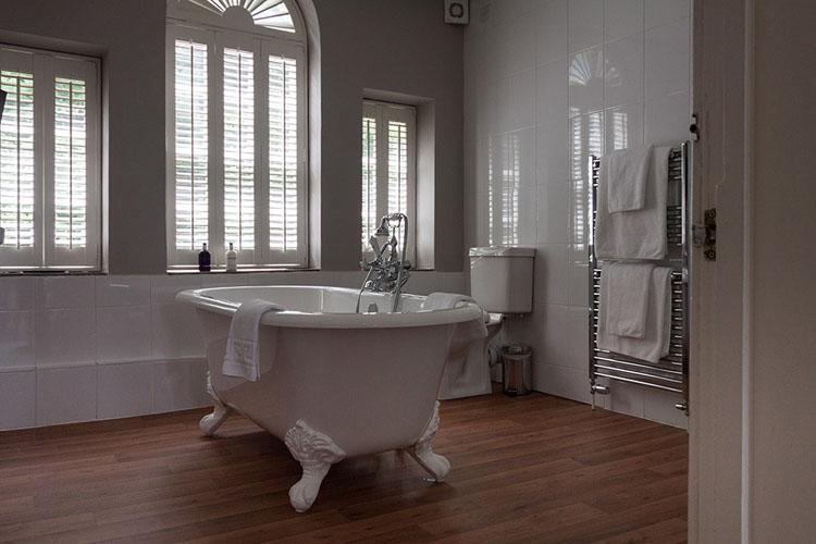 Luxury Kingsize Double Room - Paradise House Bath - Bath